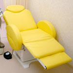 椅子型自動診察台